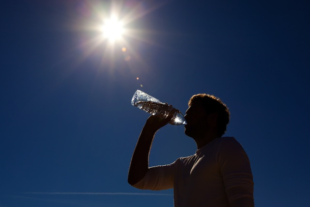 excessive_heat_sun_water_drinking